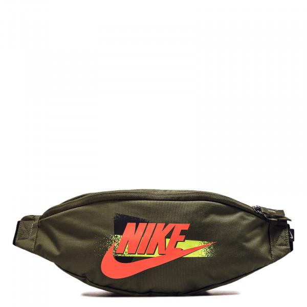 ac687bc89d20c5 olivfarbene Unisex Tasche von Nike online kaufen ...