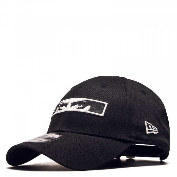 Cap 940 Eyes Black