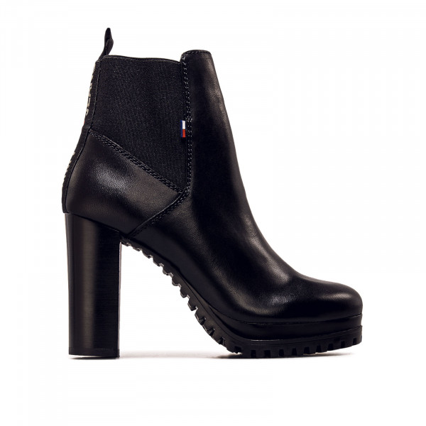 Damen Boot Essential Cleated Heeled Black