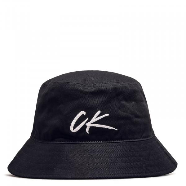 Hut CK Black White
